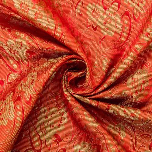 Satin asiatique rouge motif fleur dorée sur nénuphar