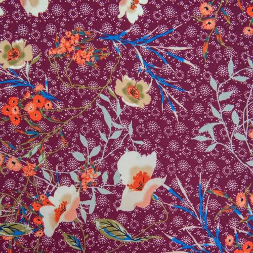 Satin pourpre motif fleurs champêtres