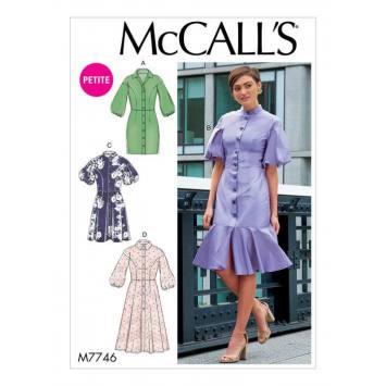 Patron McCall's M77446 : Robes 42-50