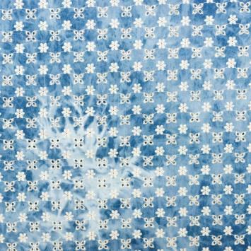 Coton bleu aspect jean broderie anglaise