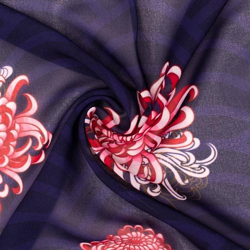 Mousseline crêpe bleu marine imprimée fleur asiatique kiku rose