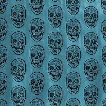 Simili cuir bleu canard métallisé tête de mort relief