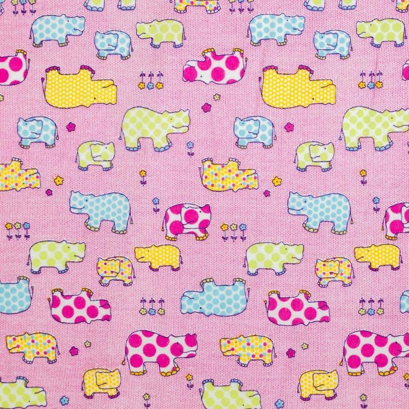 Flanelle de coton rose imprimée hippopotame