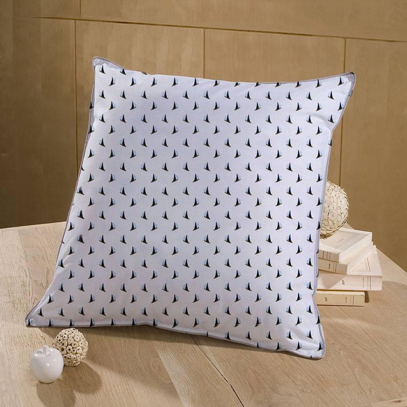 Coton blanc motif voilier bleu et ocre