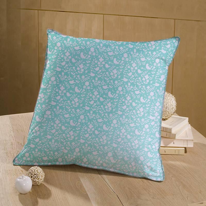 Coton bleu givré motif fleuri blanc