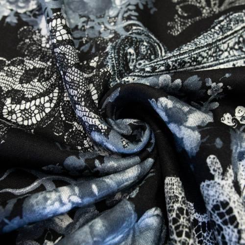 Punto milano noir motif dentelles et rosaces écrues