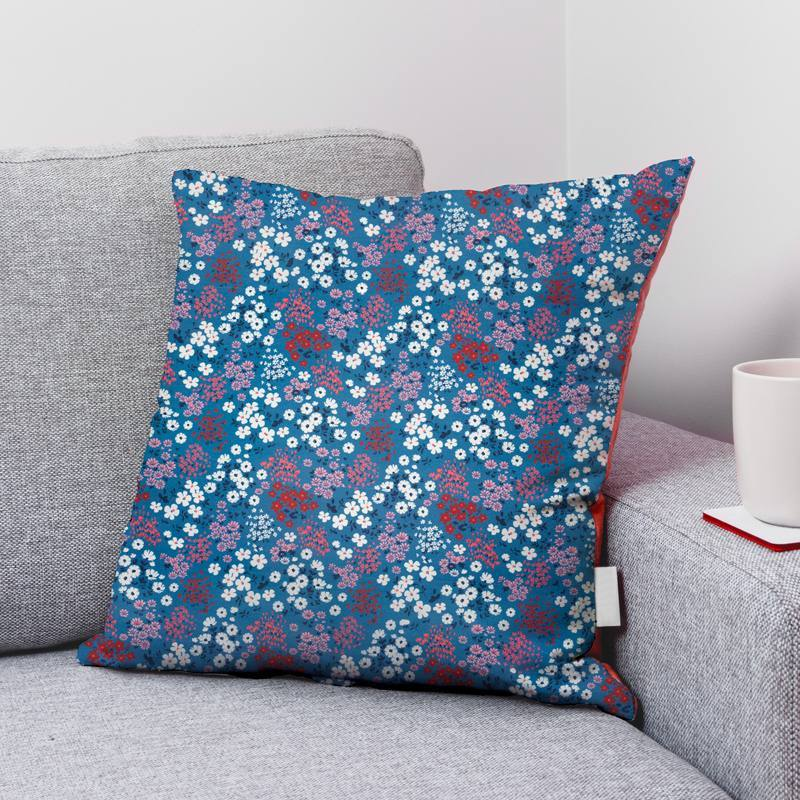 Coton bleu turquin motif champs fleuri