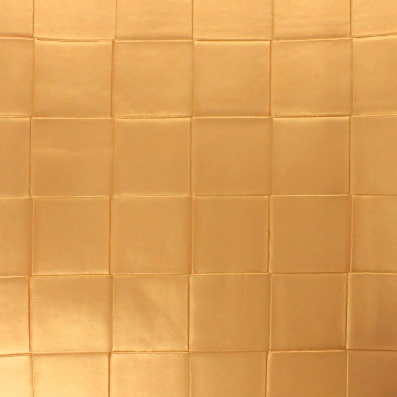 Coupon 50x68 cm - Simili nacré couleur or à carreaux en relief