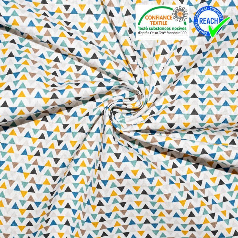 Coton blanc motif triangle scandinave triga