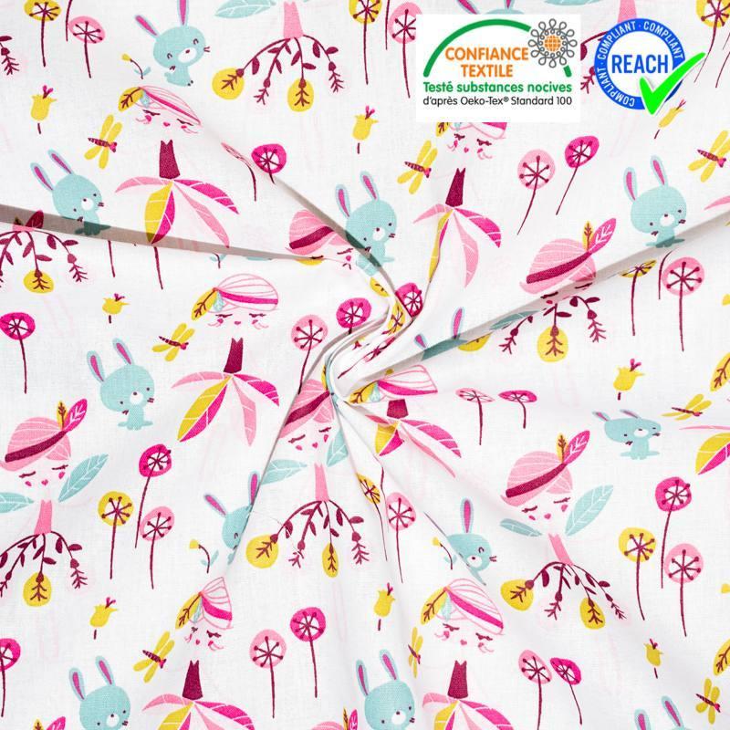 Coton blanc motif fillette rose et lapin vert d'eau jaelle
