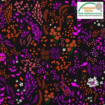 Coton noir motif fleurs champêtres oranges et violettes