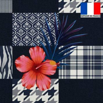Velours ras bleu marine motif patchwork géométrique et fleur d'hibiscus