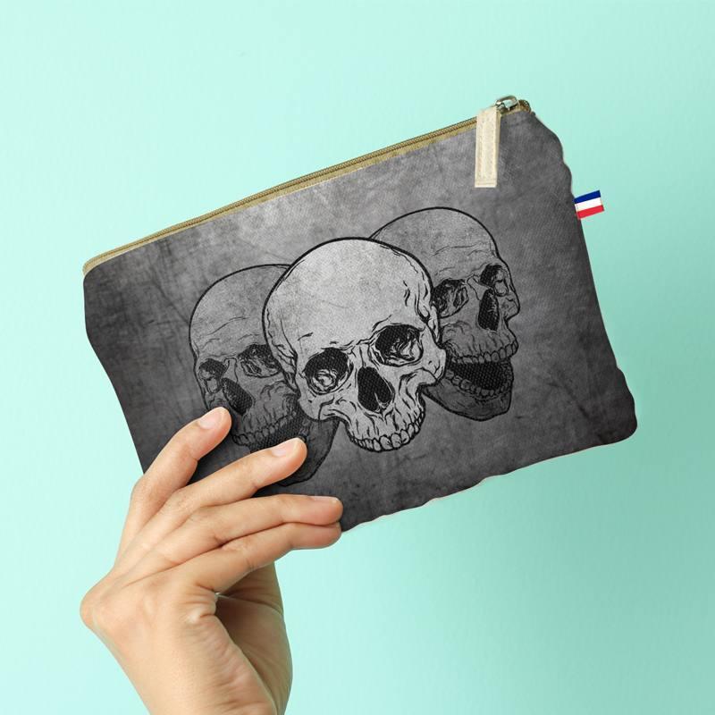 Kit pochette gris motif crânes