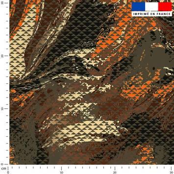 Petit triangle camouflage vert militaire et orange - Fond noir