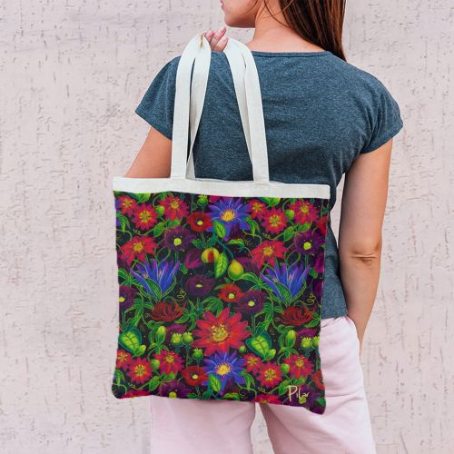 Coupon 45x45 cm noir motif flowers rouges - Création Pilar Berrio