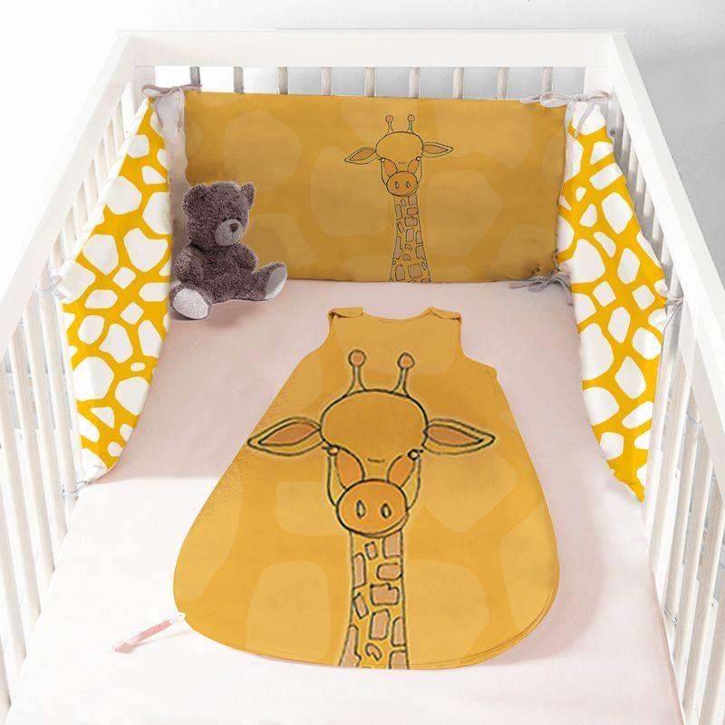 Coupon velours d'habillement motif girafe jaune et blanche - Gigoteuse et Tour de Lit - Création Anne Clmt