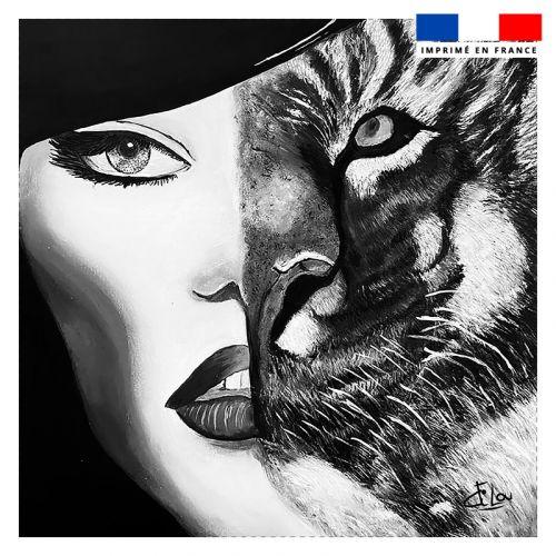 Coupon 45x45 cm motif femme tigre - Création Lilou L