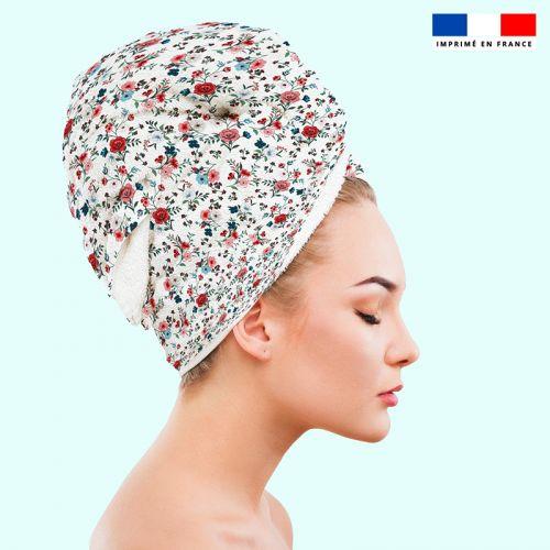 Coupon éponge pour serviette turban cheveux motif petites fleurs champêtres blanches