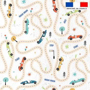 Polaire blanche motif circuit de voitures