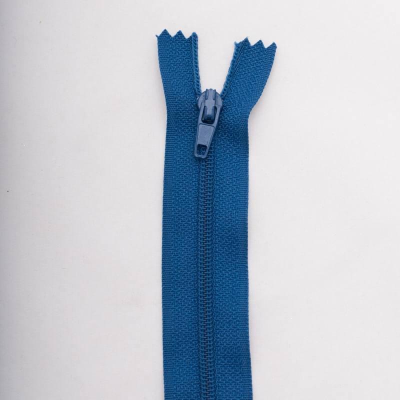 Fermeture 55 cm polyester non séparable bleu col 145