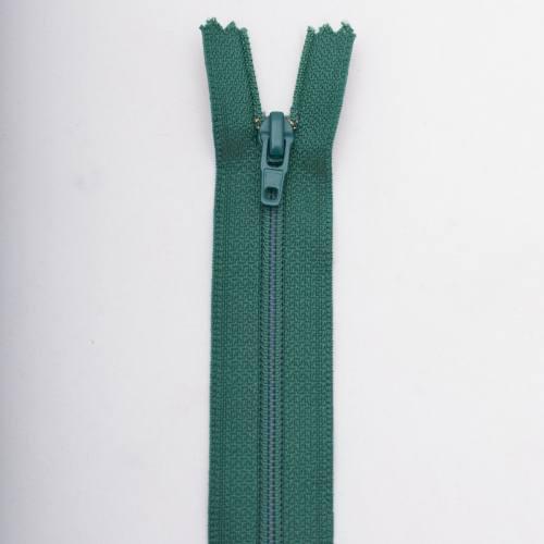 Fermeture 45 cm polyester non séparable vert Col 137