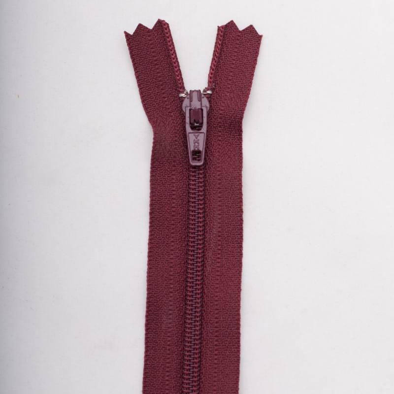 Fermeture 15 cm polyester non séparable bordeaux Col 116