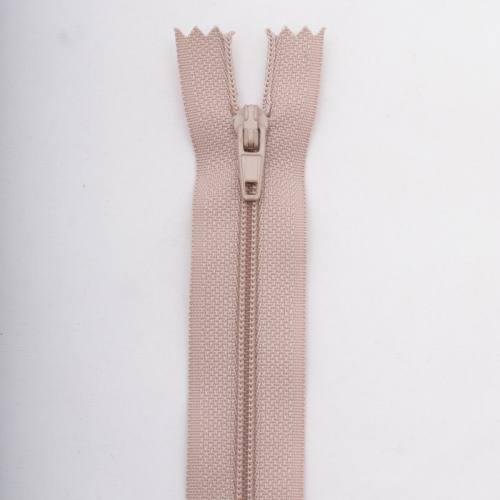 Fermeture 18 cm polyester non séparable beige col 156