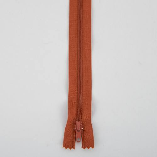 Fermeture 35cm polyester non séparable col 109