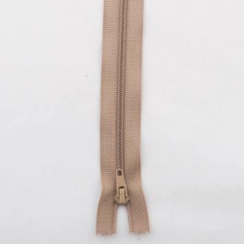 Fermeture polyester 40cm non séparable Col 157