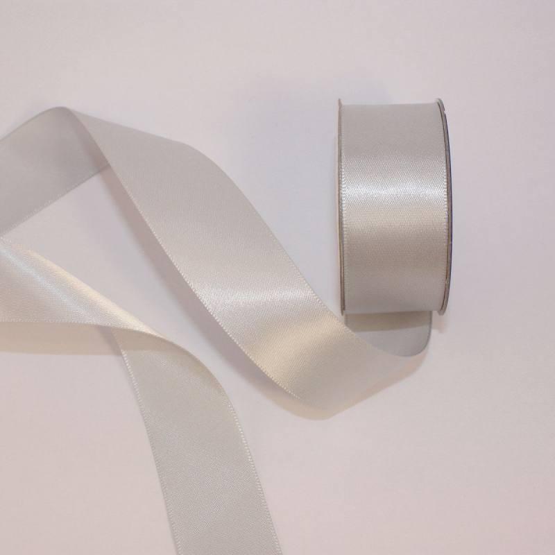 Ruban satin en bobine argent 25 mm