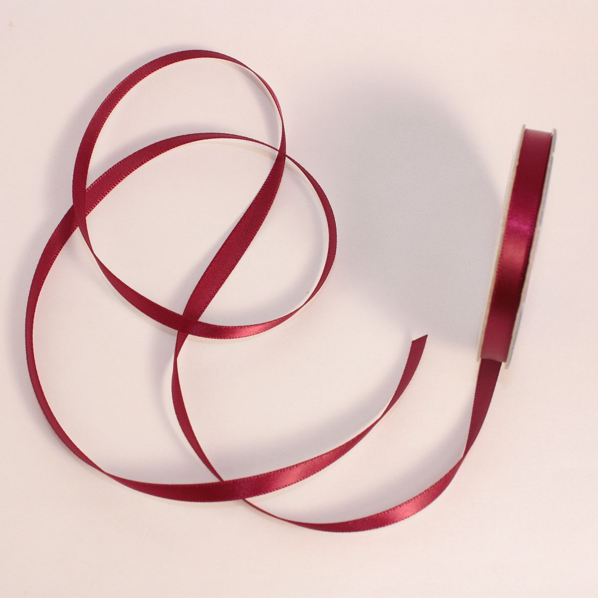 Ruban satin en bobine bordeaux 6 mm