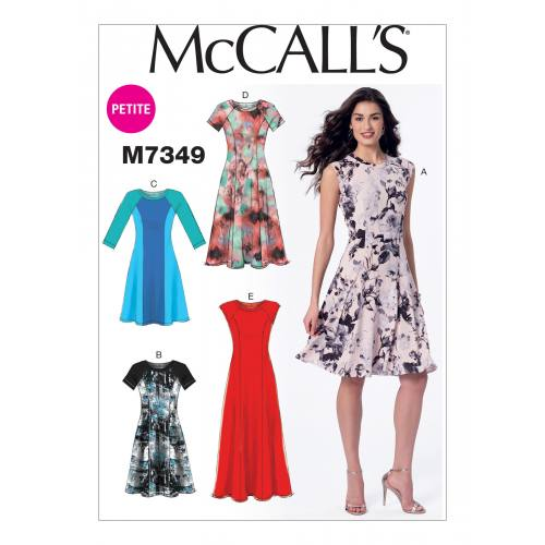 Patron Mc Call's M7349 : Robes 42-50