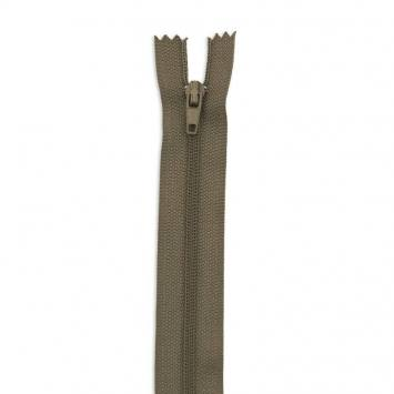 Fermeture 12 cm polyester non séparable kaki col 150